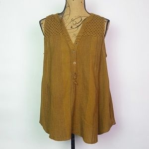 Anthro Akemi and Kin Sleeveless Top Size 14